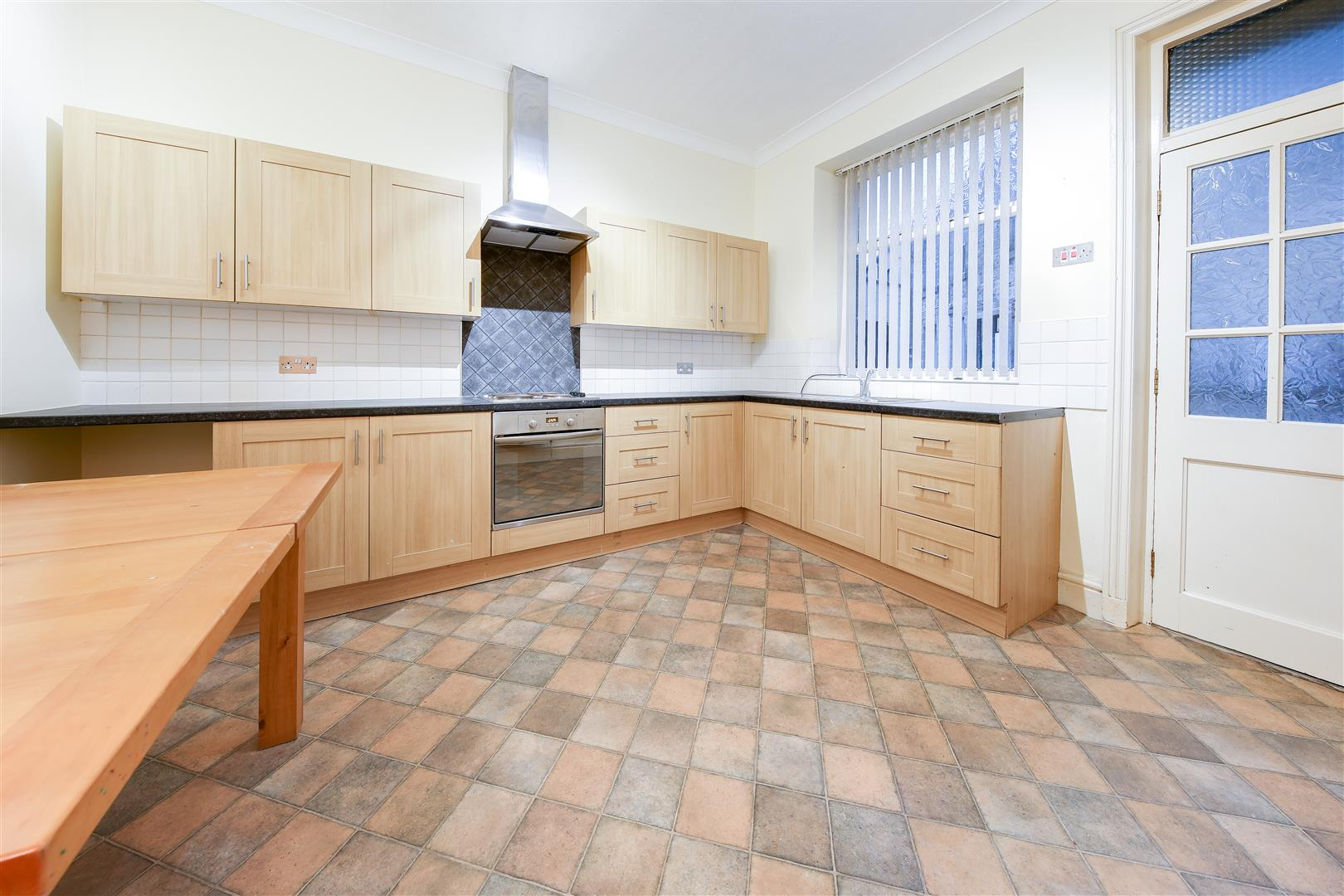 3 Bedrooms Town House for sale in Victoria Parade, Waterfoot, Rossendale